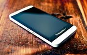 Продам BlackBerry Z10 STL100-2 4G LTE (Белый)