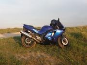 Продам спортивный мотоцикл Kawasaki ZX6R
