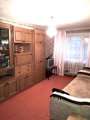 Продам двух комнатную в поселке Меновное! срочно